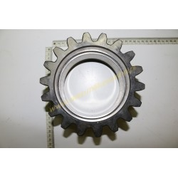Rear gear toothed wheel