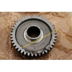 Gear wheel driving gears