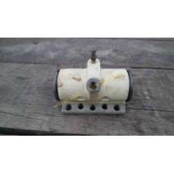 The wheel brake cylinder